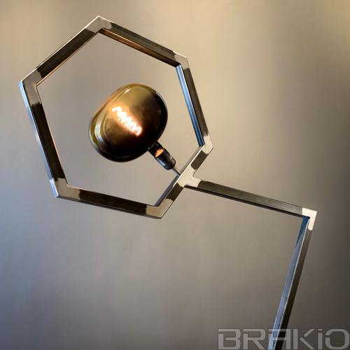 lampe industrielle et artistique en métal