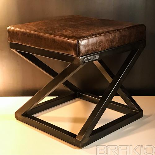 tabouret en métal et cuir artisanal