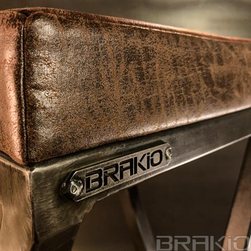 tabouret haut en métal et cuir artisanal